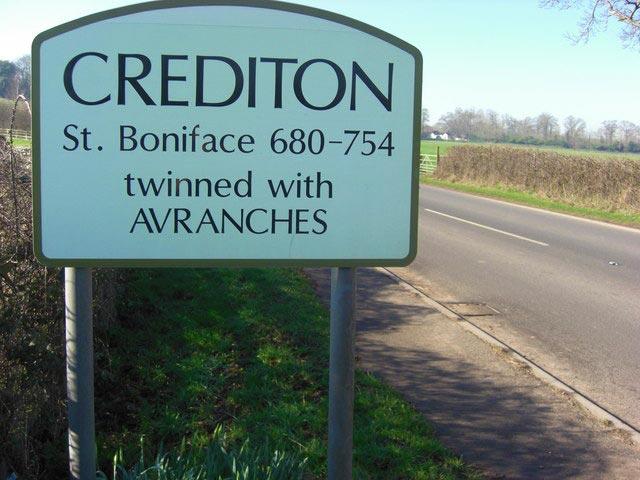 crediton-sign
